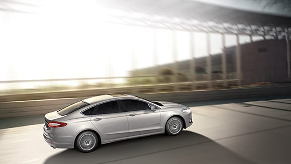 2015 Ford Fusion Hybrid Exterior Side View